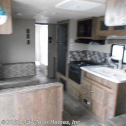 2018 Palomino Puma XLE 27 FQC  - Travel Trailer New  in Canton MI For Sale by HW Motor Homes, Inc. call 800-334-1535 today for more info.