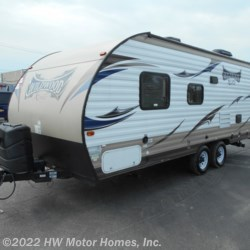 Used 2015 Forest River Wildwood X-Lite 231 RBXL For Sale by HW Motor Homes, Inc. available in Canton, Michigan