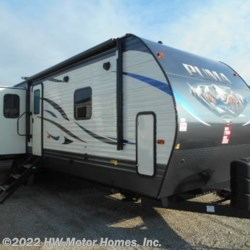 New 2021 Palomino Puma 31RLQS For Sale by HW Motor Homes, Inc. available in Canton, Michigan