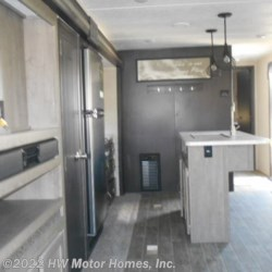 2021 Palomino Puma 31RLQS  - Travel Trailer New  in Canton MI For Sale by HW Motor Homes, Inc. call 800-334-1535 today for more info.