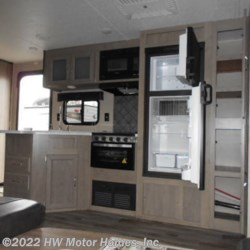 2020 Palomino Puma XLE Lite 31BHSC  - Travel Trailer New  in Canton MI For Sale by HW Motor Homes, Inc. call 800-334-1535 today for more info.