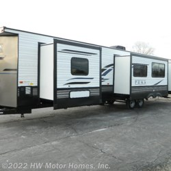 New 2020 Palomino Puma 39PQB For Sale by HW Motor Homes, Inc. available in Canton, Michigan