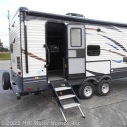 New 2019 Palomino Puma 25RKSS For Sale by HW Motor Homes, Inc. available in Canton, Michigan