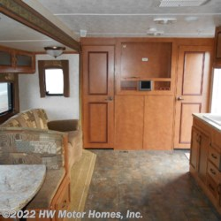 2013 Gulf Stream Innsbruck 279QBL  - Travel Trailer Used  in Canton MI For Sale by HW Motor Homes, Inc. call 800-334-1535 today for more info.