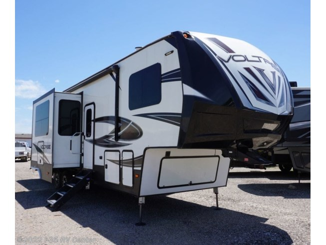 Used 2018 Dutchmen Voltage 3605 available in Denton, Texas