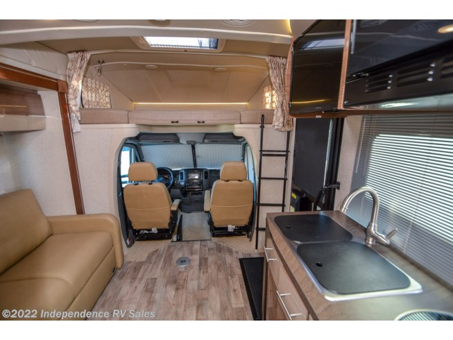 2017 Navion 24V, Sale Pending by Winnebago from Independence RV Sales in Winter Garden, Florida