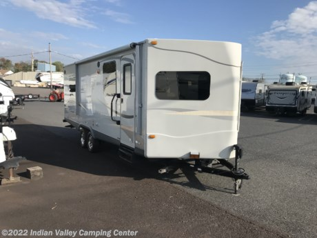 <p>Very nice V nose trailer with a slide.  Quality construction serviced prepped and ready!</p>