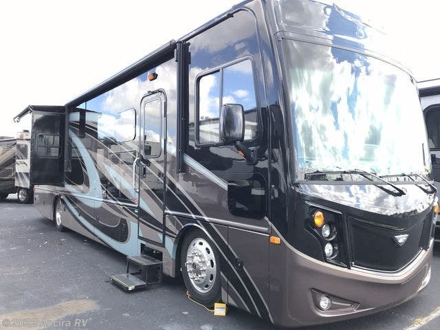 BY502 - 2019 Fleetwood Pace Arrow 33D Diesel Pusher for sale in