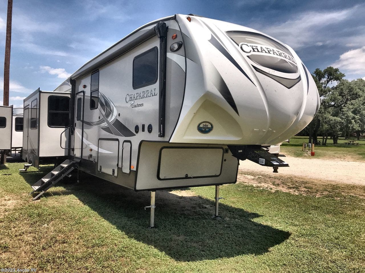 BY1325 - 2019 Coachmen Chaparral Lite 29BH Fifth Wheel for