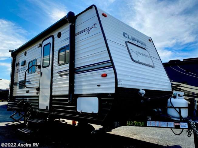 Used 2019 Coachmen Clipper Ultra-Lite 17FQ available in Boerne, Texas