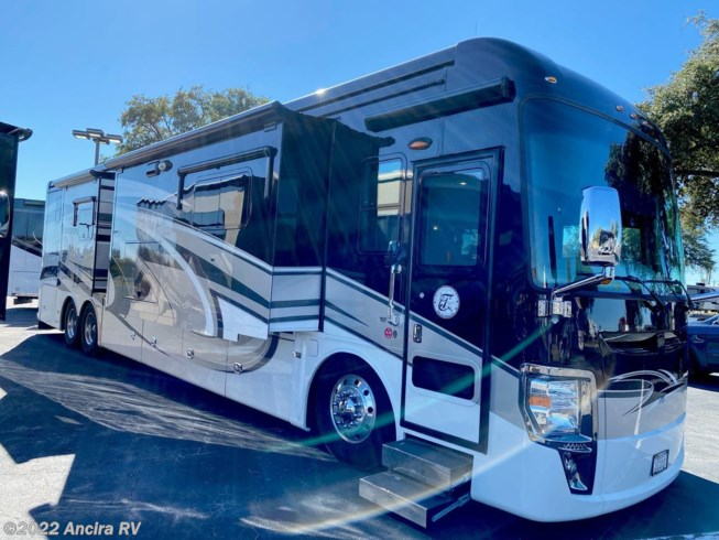 2014 Tiffin Zephyr 45 TZ - Used Diesel Pusher For Sale by Ancira RV in Boerne, Texas features GPS Navigation, Dryer, Central Vacuum, Microwave, Refrigerator