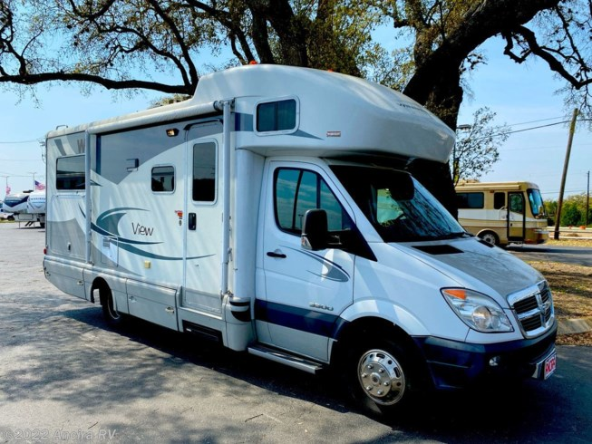 Used 2009 Winnebago View 24J available in Boerne, Texas