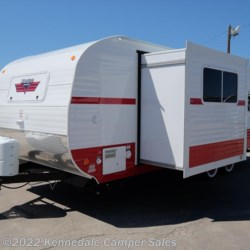 Kennedale Camper Sales 2018 White Water Retro 199FKS  Travel Trailer by Riverside RV | Kennedale, Texas