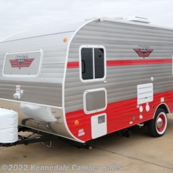 "Kennedale Camper Sales 2018 White Water Retro 177SE 18'9""  Travel Trailer by Riverside RV 