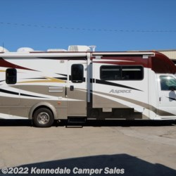 2012 Winnebago Aspect 30C  - Class C Used  in Kennedale TX For Sale by Kennedale Camper Sales call 877-370-6407 today for more info.