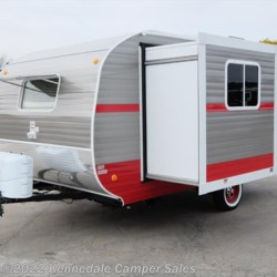 "Kennedale Camper Sales 2018 White Water Retro 176S 18'6""  Travel Trailer by Riverside RV 