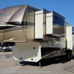 Used 2014 Thor Redwood 38GK 41' For Sale by Kennedale Camper Sales available in Kennedale, Texas