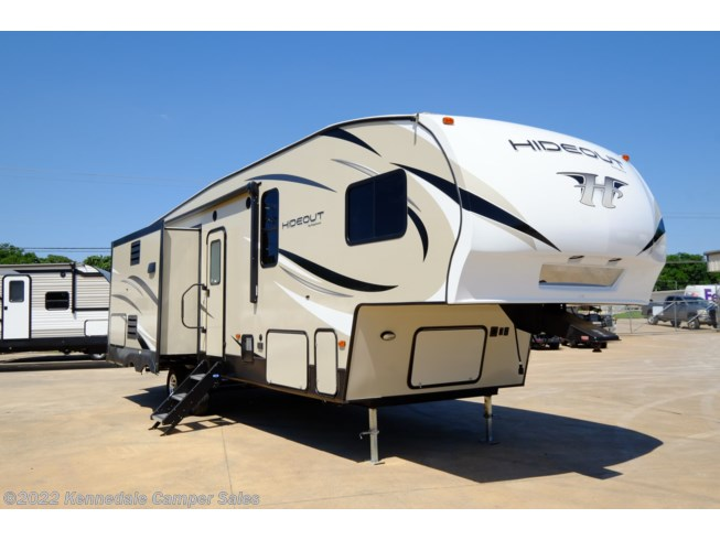 Used 2019 Keystone Hideout 299RLDS available in Kennedale, Texas