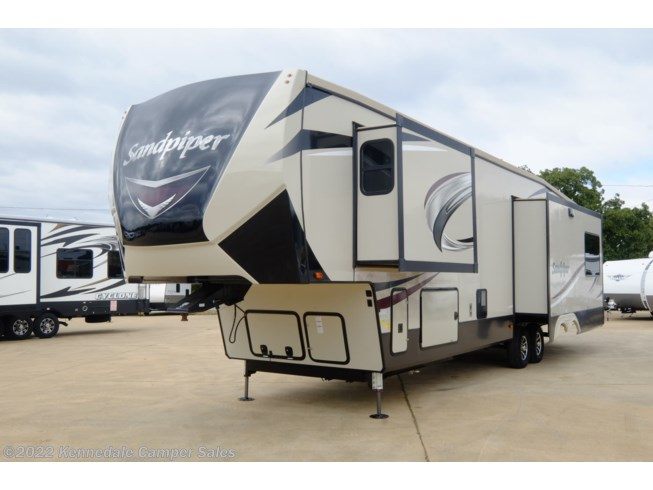 2018 Forest River Sandpiper 367DSOK - Used Fifth Wheel For Sale by Kennedale Camper Sales in Kennedale, Texas