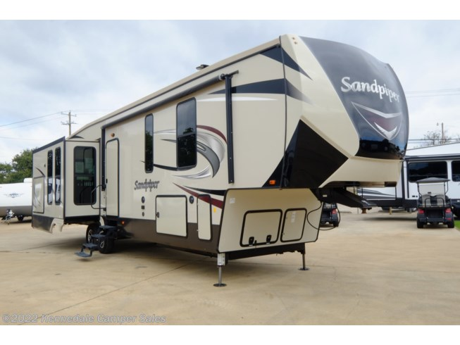 Used 2018 Forest River Sandpiper 367DSOK available in Kennedale, Texas