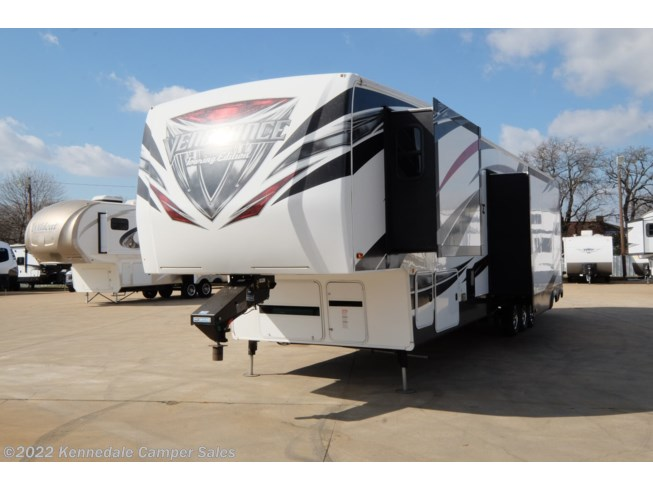 2016 Forest River Vengeance Touring Edition 39R13 - Used Toy Hauler For Sale by Kennedale Camper Sales in Kennedale, Texas