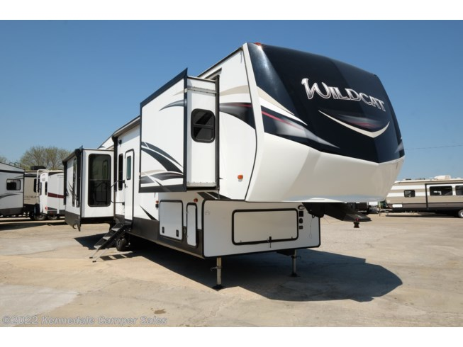 Used 2019 Forest River Wildcat 37WB available in Kennedale, Texas