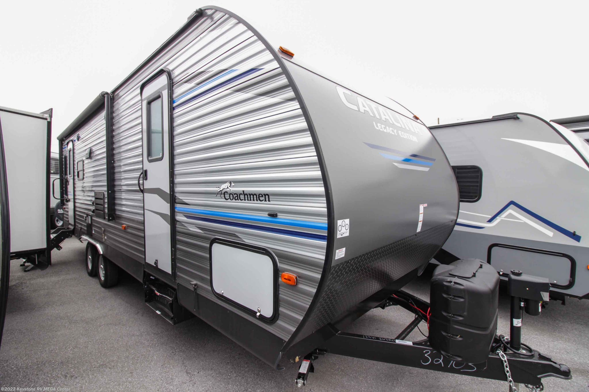 H12882 - 2019 Coachmen Catalina Legacy Edition303RKP for