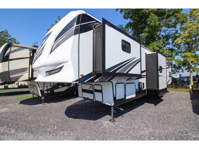 2021 Forest River Vengeance Rogue Armored 383 - New Toy Hauler For Sale by Keystone RV MEGA Center in Greencastle, Pennsylvania