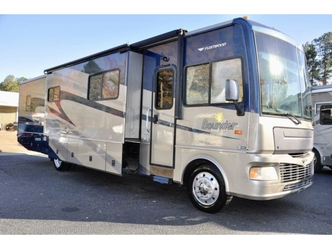 Used 2008 Fleetwood Bounder 38P available in Ashland, Virginia