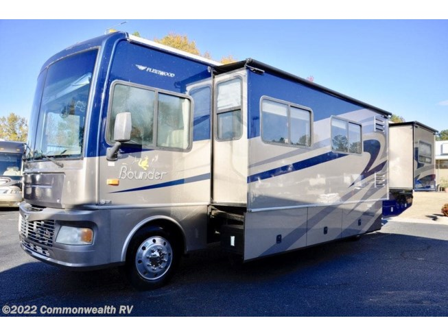 2008 Bounder 38P by Fleetwood from Commonwealth RV in Ashland, Virginia
