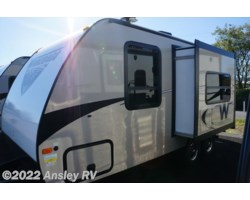 #D0649-17 - 2018 Winnebago Micro Minnie 2106FBS