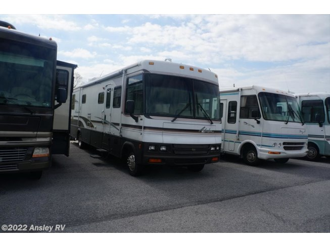 2000 Winnebago Adventurer 37G