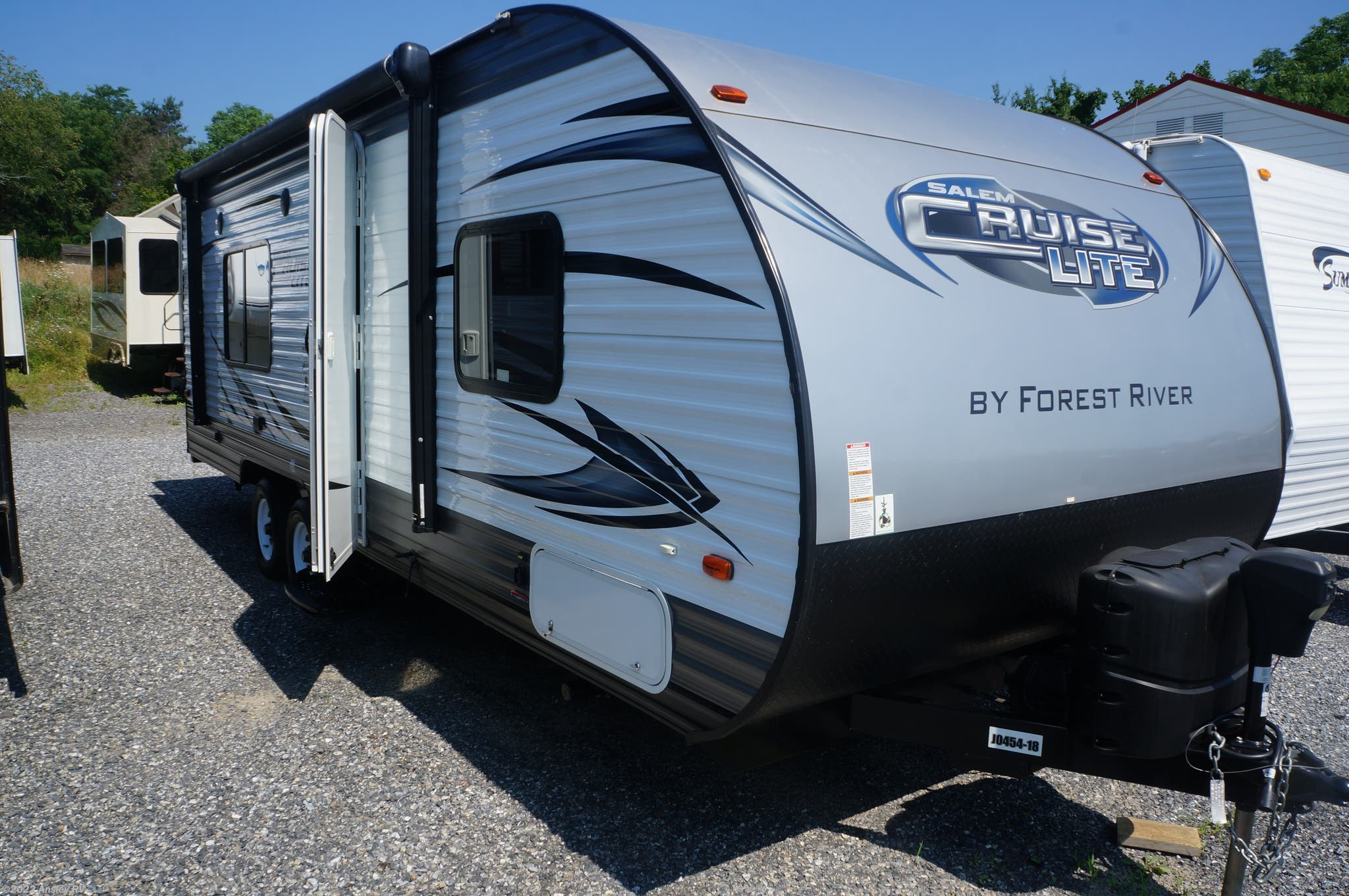 D0817-17 - 2018 Livin' Lite CampLite16DBS for sale in