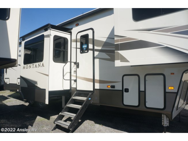 2020 Montana 3761FL by Keystone from Ansley RV in Duncansville, Pennsylvania