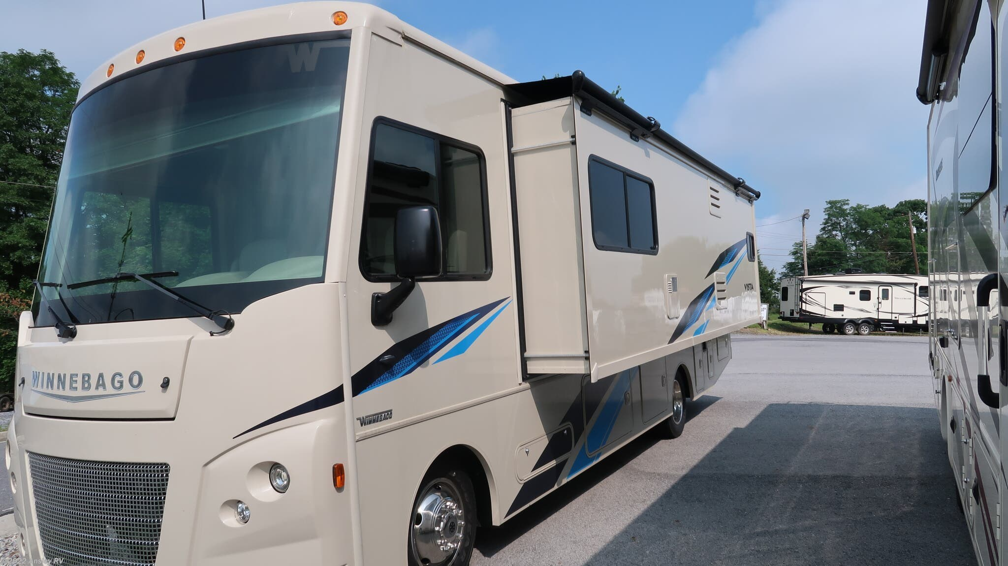 A0198-19 - 2019 Fleetwood Bounder 35K Class A for sale in