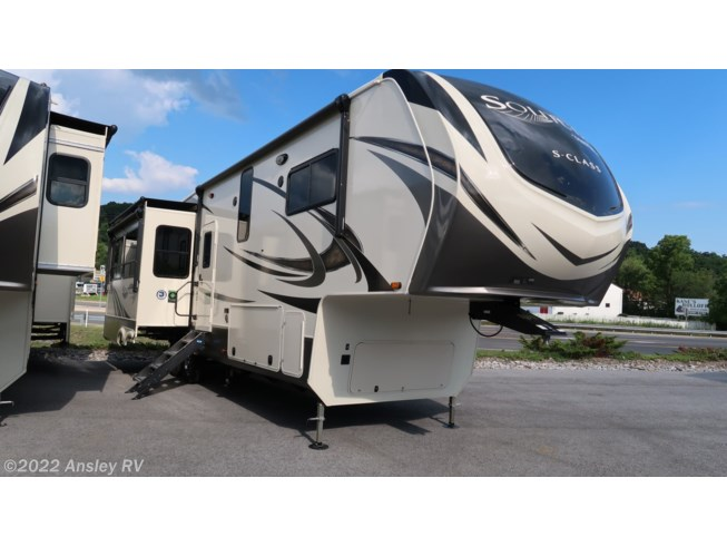 2020 Solitude 3350RL by Grand Design from Ansley RV in Duncansville, Pennsylvania
