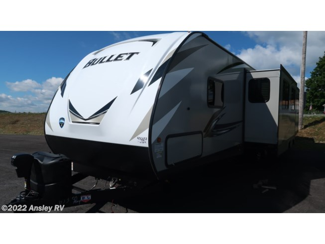 2021 Keystone Bullet 331BHS - New Travel Trailer For Sale by Ansley RV in Duncansville, Pennsylvania features Air Conditioning, AM/FM/CD, Auxiliary Battery, Awning, Batteries, Booth Dinette, Bunk Beds, CD Player, CO Detector, Converter, DVD Player, Exterior Speakers, External Shower, Furnace, Leveling Jacks, LP Detector, Luggage Rack, Medicine Cabinet, Microwave, Outside Kitchen, Oven, Queen Bed, Refrigerator, Rocker Recliner(s), Roof Vents, Shower, Skylight, Slideout, Smoke Detector, Spare Tire Kit, Stove, Stove Top Burner, Toilet, TV, Water Heater