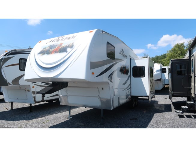 2012 Northwood Fox Mountain 245RK - Used Fifth Wheel For Sale by Ansley RV in Duncansville, Pennsylvania features Air Conditioning, AM/FM/CD, Awning, Batteries, CO Detector, Converter, Furnace, LP Detector, Microwave, Non-Smoking Unit, Refrigerator, Roof Vents, Self Contained, Shower, Slideout, Smoke Detector, Stove, Stove Top Burner, Toilet, Water Heater