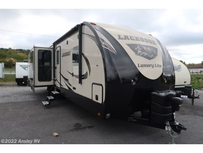 Used 2018 Prime Time LaCrosse 330RST available in Duncansville, Pennsylvania