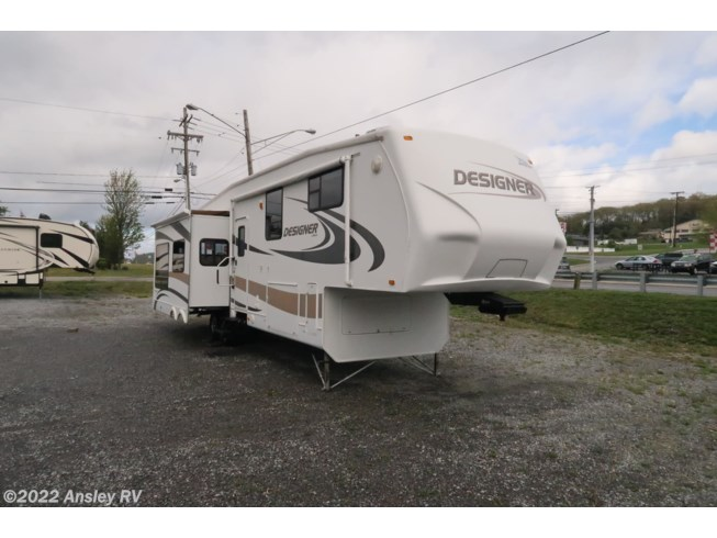 2009 Jayco Designer 35 RLTS - Used Fifth Wheel For Sale by Ansley RV in Duncansville, Pennsylvania features Air Conditioning, Converter, Spare Tire Kit, DVD Player, Roof Vents