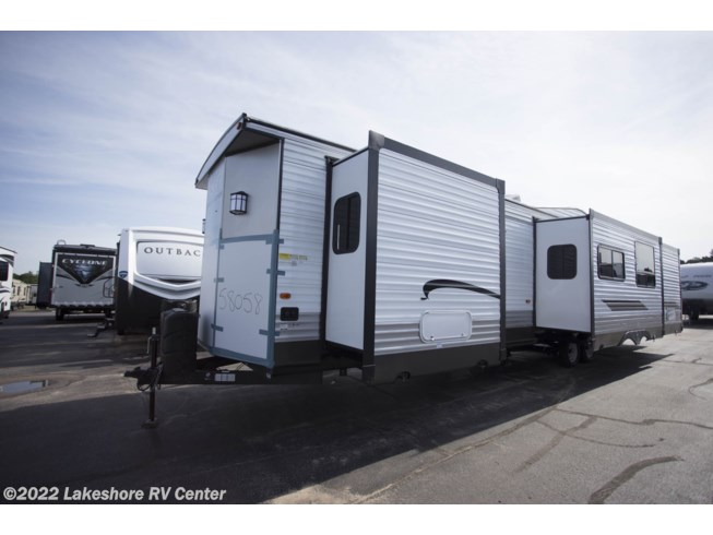 2019 Wildwood DLX 4002Q by Forest River from Lakeshore RV Center in Muskegon, Michigan
