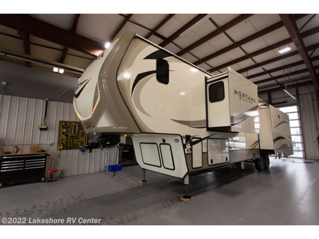 2019 Montana 3931FB by Keystone from Lakeshore RV Center in Muskegon, Michigan