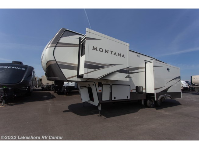 2020 Montana 3121RL by Keystone from Lakeshore RV Center in Muskegon, Michigan