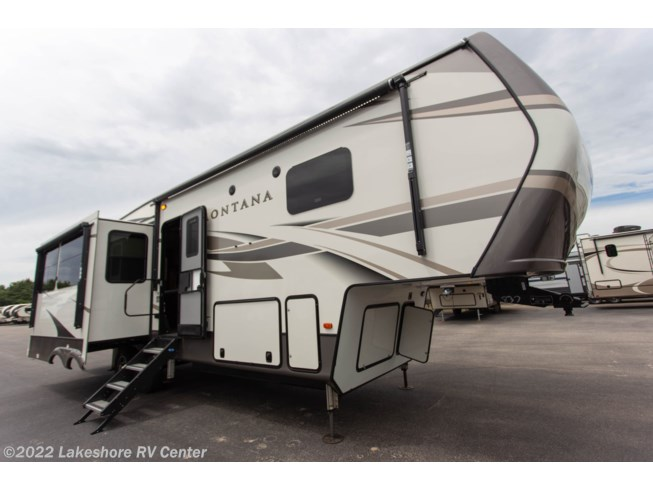 New 2020 Keystone Montana 3121RL available in Muskegon, Michigan