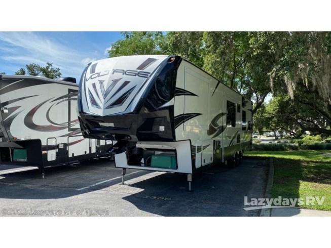 2017 Dutchmen Voltage V Series 4155 - Used Travel Trailer For Sale by Lazydays RV of Tampa in Seffner, Florida
