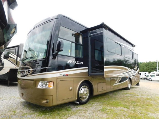 2013 Palazzo 33.1 by Thor Motor Coach from Lee's Auto and RV Ranch in Ellington, Connecticut