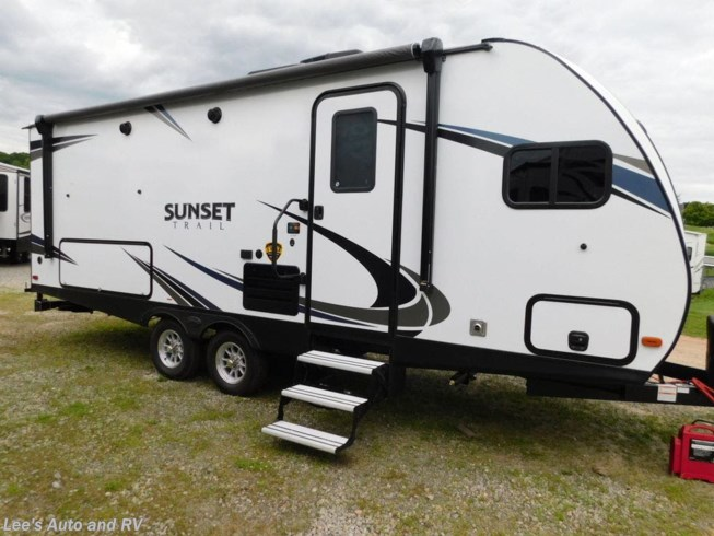 2019 Sunset Trail 210FK by CrossRoads from Lee's Auto and RV Ranch in Ellington, Connecticut