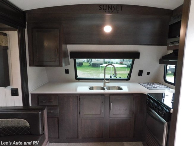 New 2019 CrossRoads Sunset Trail 210FK available in Ellington, Connecticut