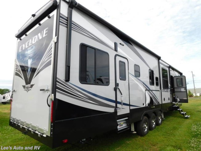 2019 Cyclone 4005 by Heartland from Lee's Auto and RV Ranch in Ellington, Connecticut