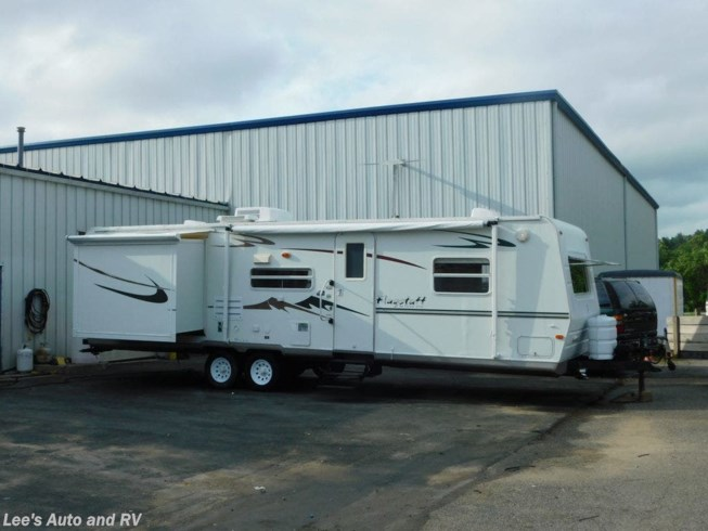 Used 2005 Forest River Flagstaff 831BHSS available in Ellington, Connecticut